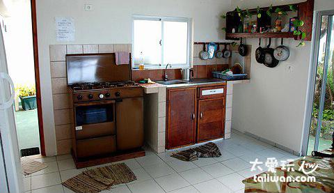 Chez Robert & Tina民宿一樓公共廚房