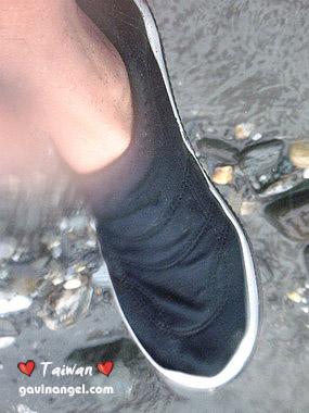 一定要穿包鞋保護腳