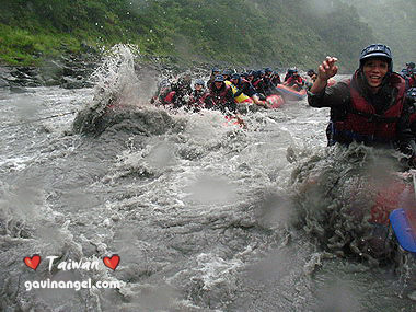 颱風過後水大就有超刺激的激流