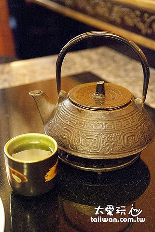 老四川招待的八寶茶