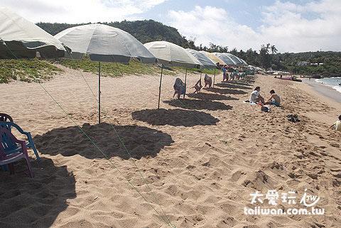 白沙海灘租陽傘一次300元