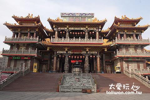 台灣最大、香火最鼎盛的土地公廟 – 福安宮