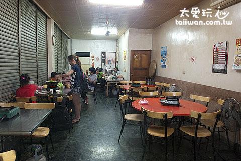 富友火鍋店像早期的傳統火鍋店