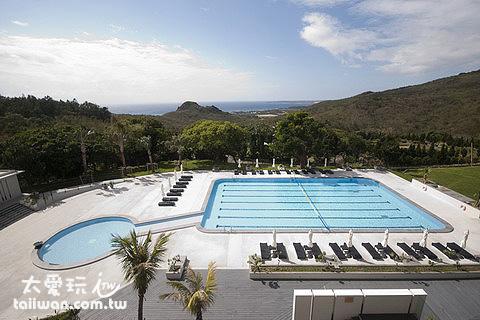華泰瑞苑的大游泳池