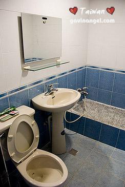 精緻雙人房浴室