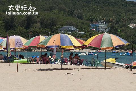 租一頂陽傘含4張椅約300元