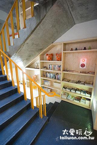 橘月樓梯間