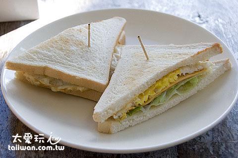 橘月現做早餐