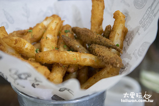 櫻花蝦薯條與丁香魚是迷路小章魚的名菜