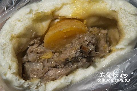 蛋黃香菇肉包口感也很不錯