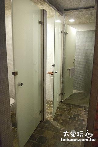 光現旅宿時光3人房浴室