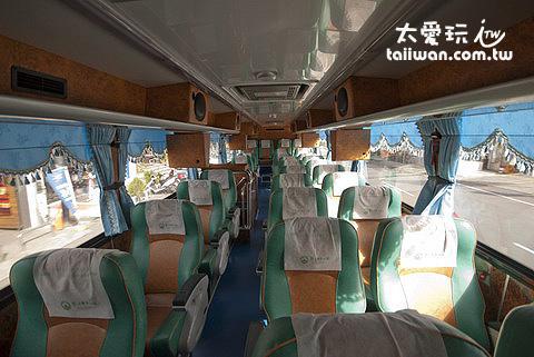 左營高雄9188鵝鑾鼻客運採用三排座椅