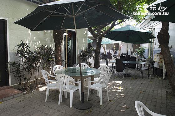 照利庭園海鮮餐廳戶外庭園區