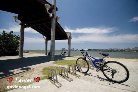 八里左岸單車逍遙遊