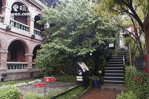 前往3樓可以直接走戶外樓梯