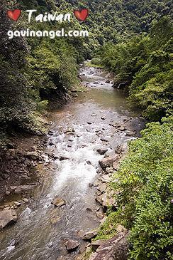 一旁就是金瓜寮溪