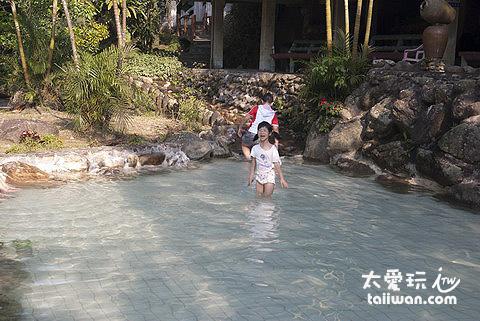 兒童戲水池