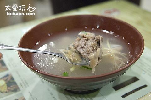 阿對麵店鮮魚湯小碗60