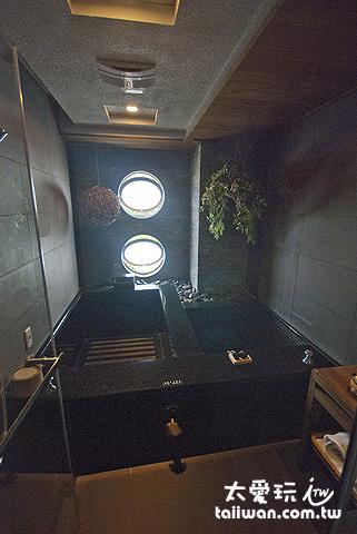 親水景觀冷熱湯房