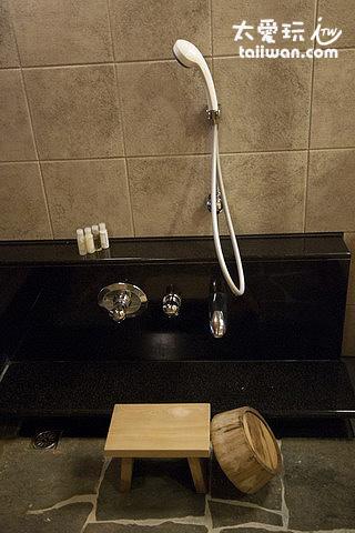 個人湯屋沖澡設備