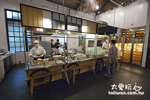 青葉新樂園現煮區很有小攤販的味道
