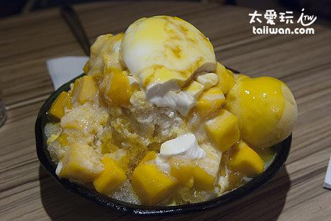 最有名的超級芒果冰180元