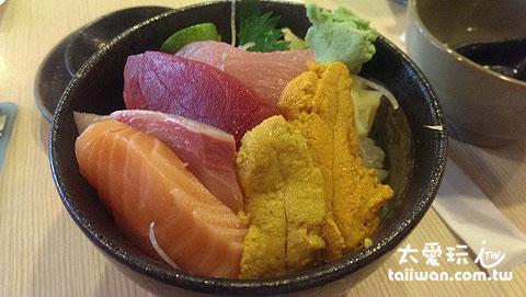 躼腳日式料理海膽生魚片丼