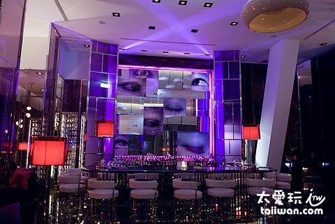 台北W Hotel頂樓夜店酒吧