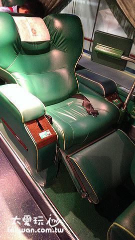 阿囉哈客運的通雙排座椅