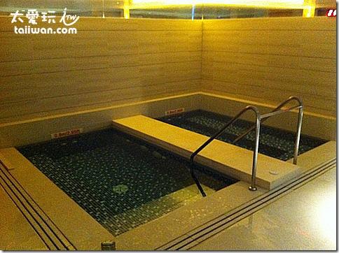 台北寒舍艾美酒店三溫暖冷熱池