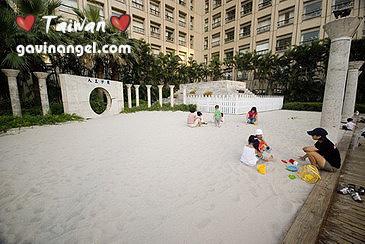 市府東南側的人工沙灘