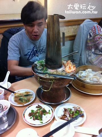東門餃子館很有味道的酸菜白肉鍋