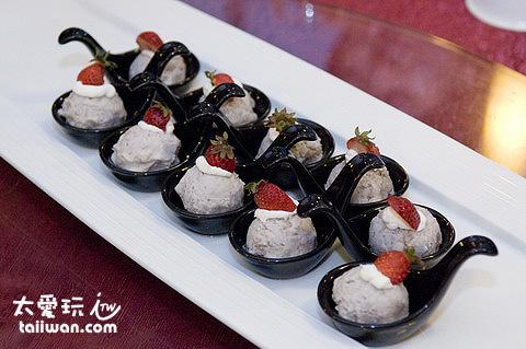 玻璃屋餐廳創意美食精緻的擺盤