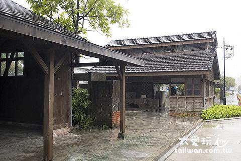 沿途的日式房舍
