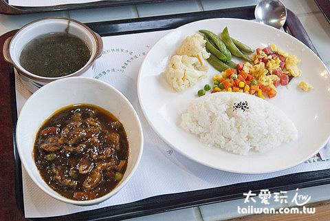 鳩之澤溫泉服務中心簡餐150