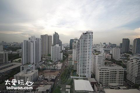 窗外的城市景觀