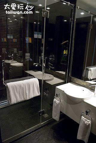 浴室空間也還算可以