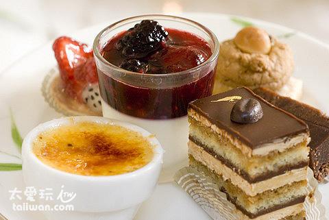 蛋糕、布丁、水果塔