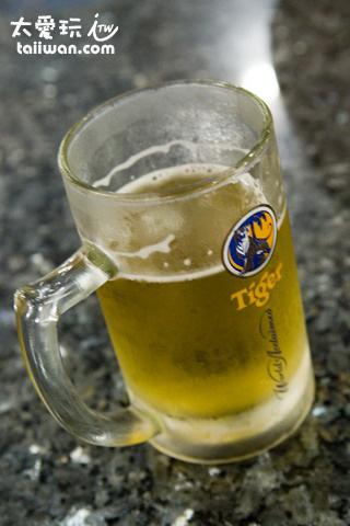 吃海鮮配啤酒是一定要的