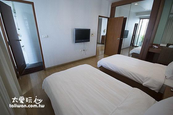 Bangkok Patio公寓式酒店房間簡單樸實