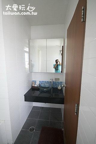 雙房公寓浴室