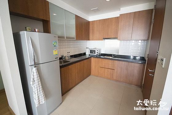 雙房公寓廚房設備齊全