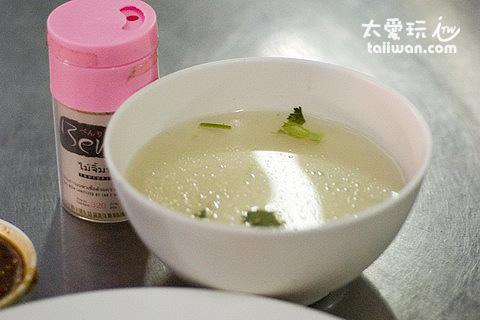 Prom Phong海南雞飯附湯