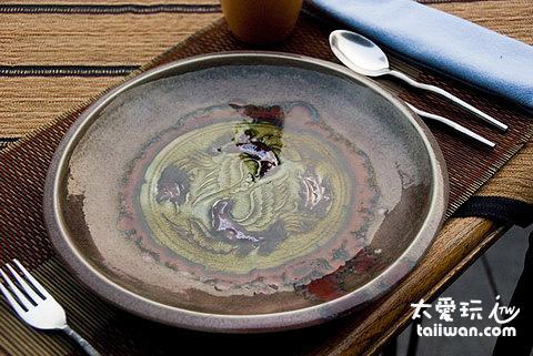 Baan Suan Restaurant很有質感的盤子