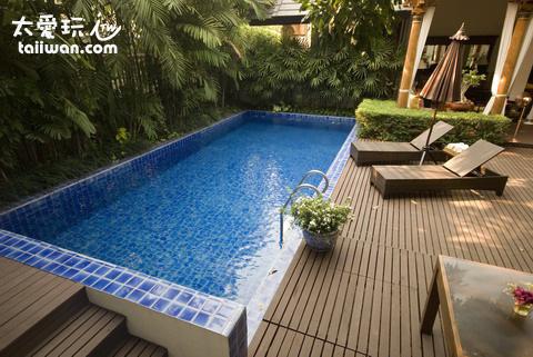 Baan Klang Wiang Boutique Hotel 泳池