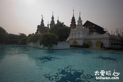 The Dhara Dhevi Hotel Chiang Mai泳池