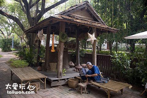 The Dhara Dhevi Hotel Chiang Mai傳統工藝村落