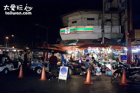 Warorot 市場周邊