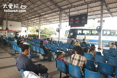 Air Conditioned Bus Terminal Pattaya – Bangkok車站候車處