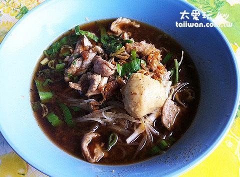 湯麵一碗才25~30 Baht